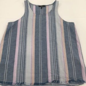 Drew sleeveless Chambray striped top. Small